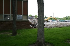 Greenlawn_demolition_roeder_05
