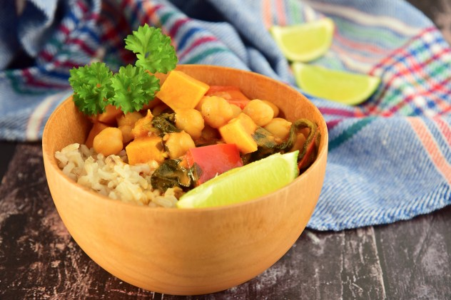 Chickpea rice in a wooden bowl