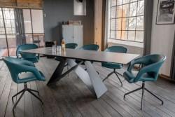 KAWOLA Essgruppe 5-Teilig Tisch BENNO dunkelgrau mit 4x Stuhl SWIRL Kunstleder blau
