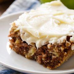 Торта со јаболки и ореви