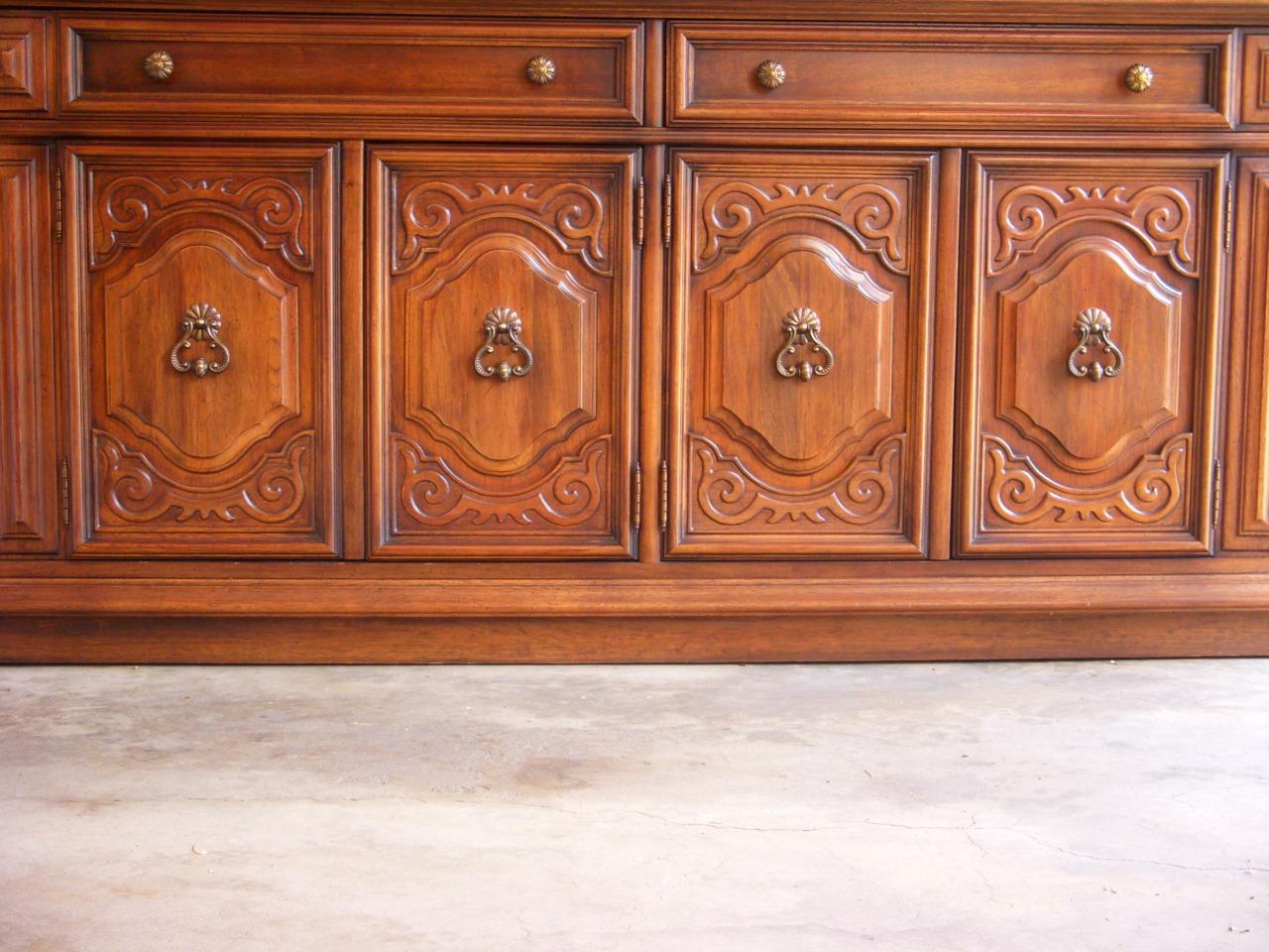 Encantador Dining Room Collection By Sanford Furniture