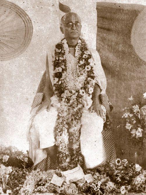Srila-Saraswati-Thakurs-Vyasa-Puja-in-Madras