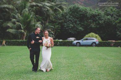 Bride walks down aisle barefoot
