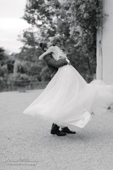 Bride and groom romantic black and white photo