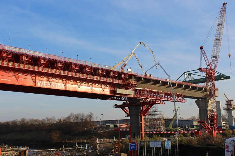 Mersey Gateway team builds south approach viaduct above Manchester Ship Canal