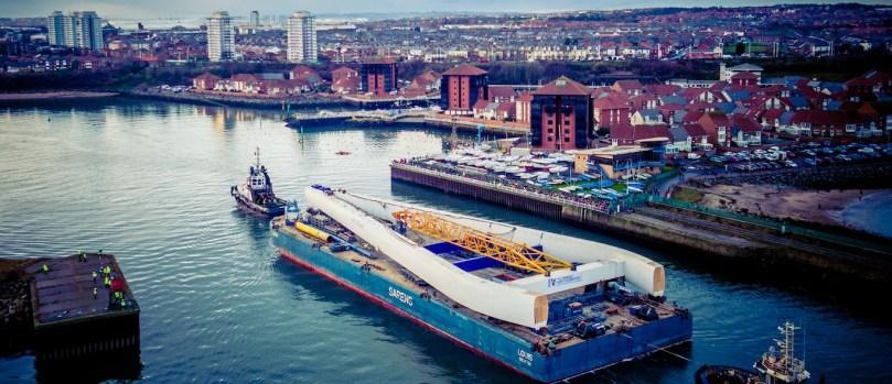 Bridge pylon centrepiece arrives into Sunderland