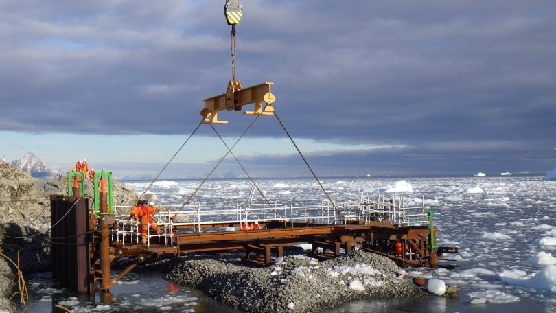 First Frame of New Wharf Lowered into Place, Marking Major Milestone in Antarctic Modernisation