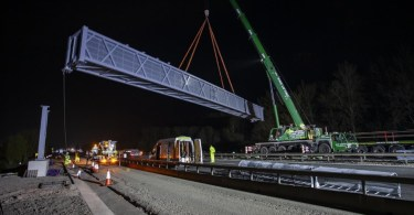 Ready, Set, Lift! Giant 'Superspan' Gantry Installed Across M6