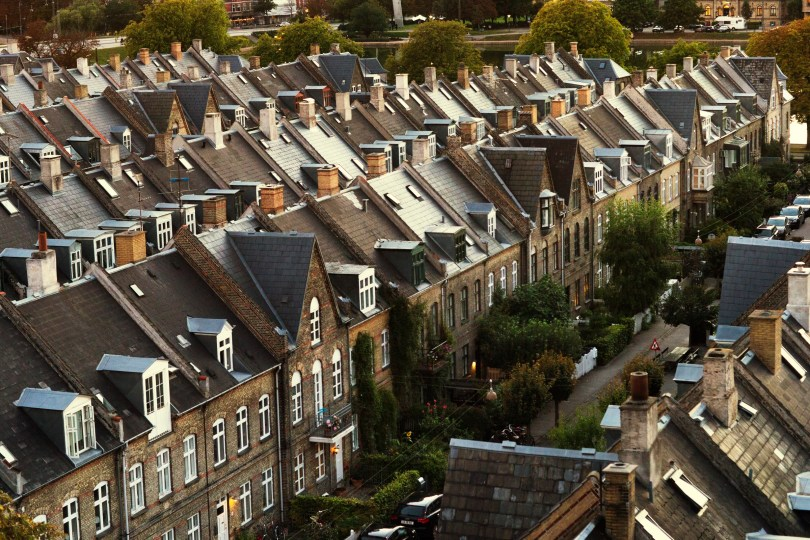 Unhealthy buildings adversely affect children and will cost UK £55.6 billion over next 40 years, research finds
