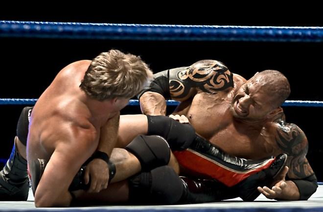 Batista_et_Chris_Jericho_-_Figure_four_leglock_(2)