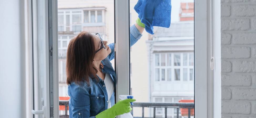 3 Tips for Cleaning Your Home Window Tints Yourself
