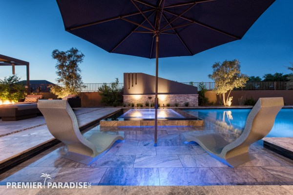 Modern Perimeter Overflow Spa & Luxury Outdoor Living