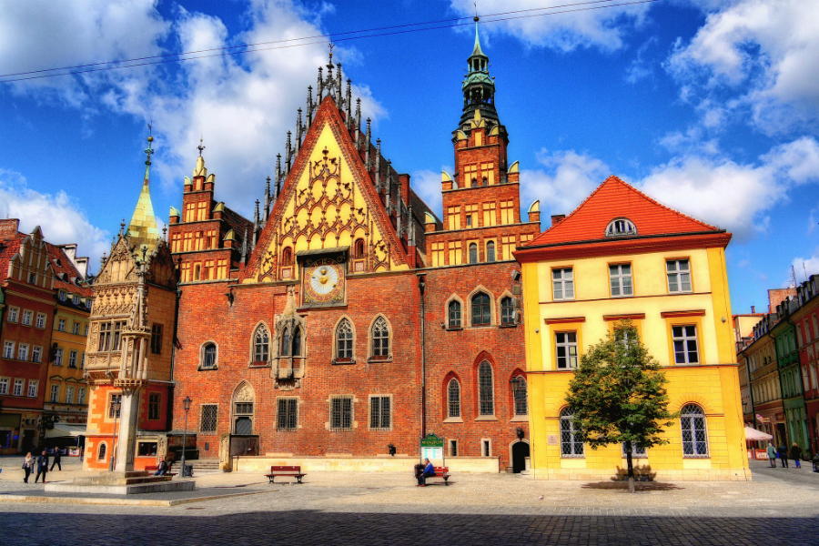 Wrocław City Hall: This is an example of the fine architecture found throughout Poland. Source: Adam Smok - Flickr.com