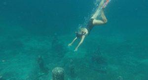 TEFL teacher Angelique diving into the sea