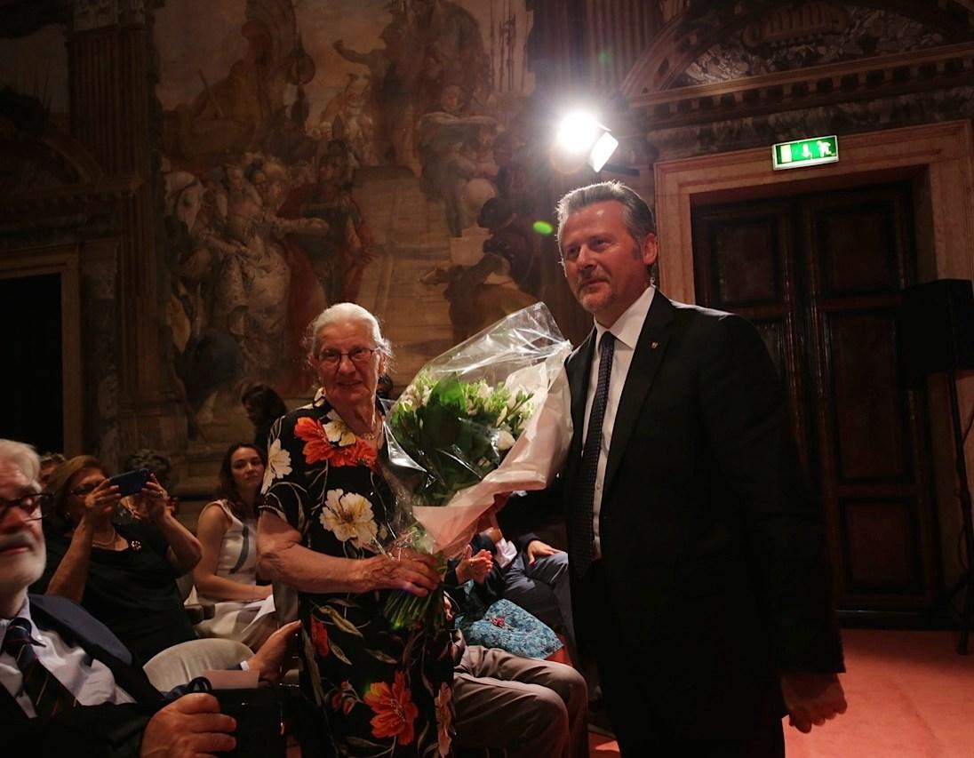 Il Presidente del Consiglio Regionale del Veneto Roberto Ciambetti con Anna Rigoni Stern