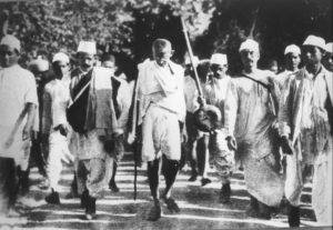 Gandhi durante la Marcia del Sale