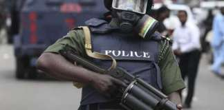 Nigerian police attack London returnee for wrong dressing, demand N100,000
