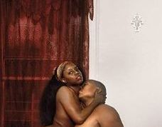 Parents pose completely naked with their child present (+18)