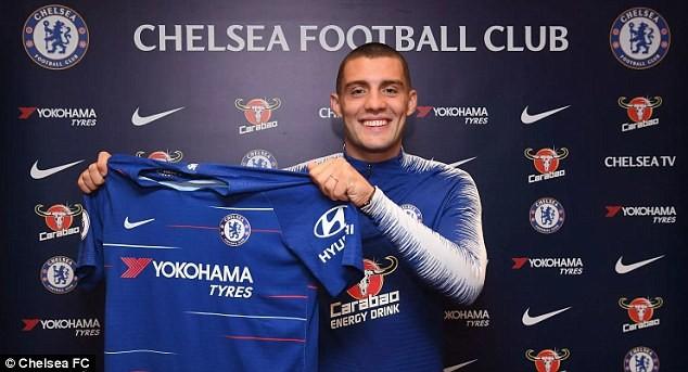 Chelsea sign Croatian midfielder Mateo Kovacic
