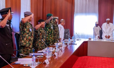President Buhari in closed door meeting with service chiefs