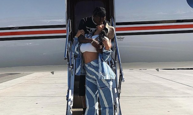 Kylie Jenner caught kissing Travis Scott as they take a private jet to Coachella (Photo)