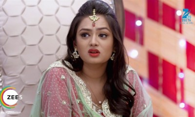 Mehek 15 October 2019 Update - Zee WorldShaurya lovingly looks at her and says say you love me once, she says no, he says please say it