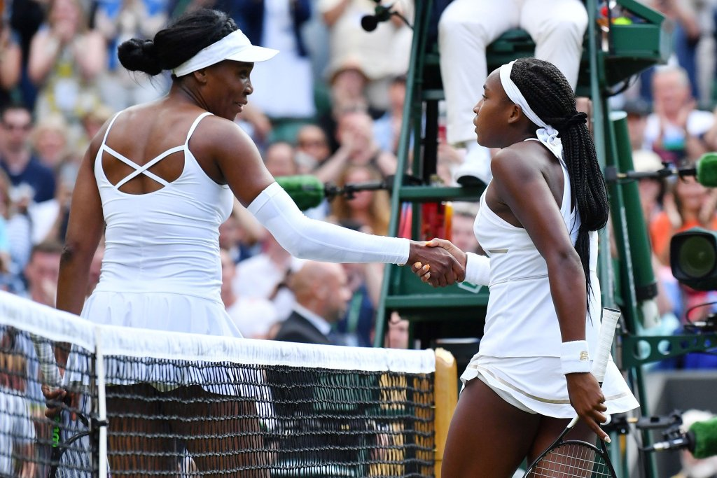 Teenage girl defeats Venus Williams
