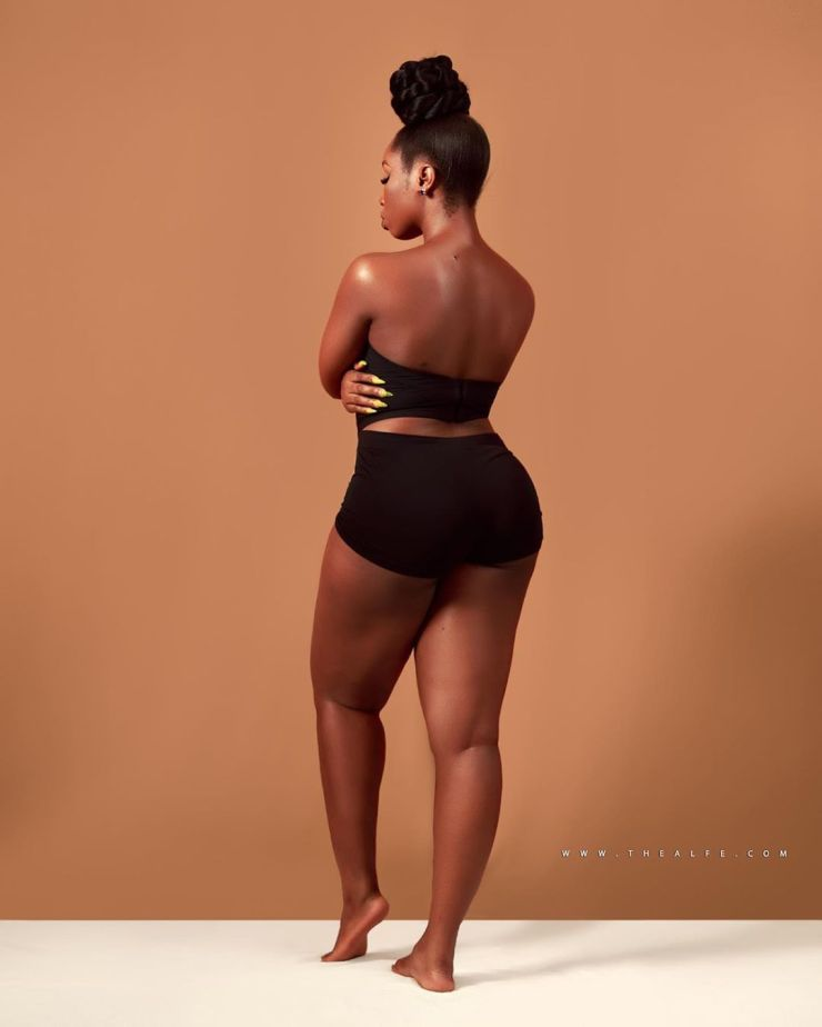 BamBam flaunts her curves in new photos