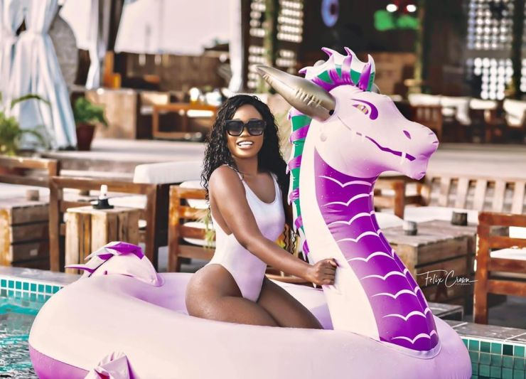 Cee C parades her assets in bikini photos