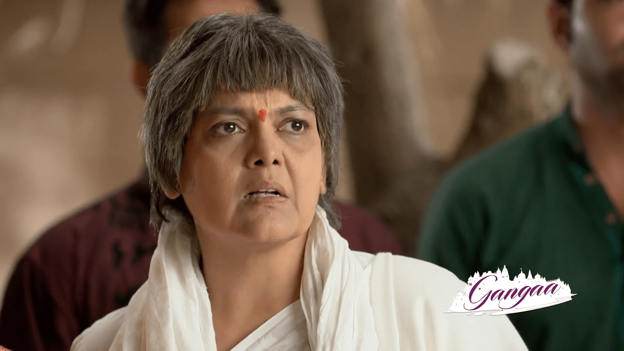 Ganga thinks of how sad Mamta was after that Mahant cursed all the ladies. She thinks of all the incidents after that.