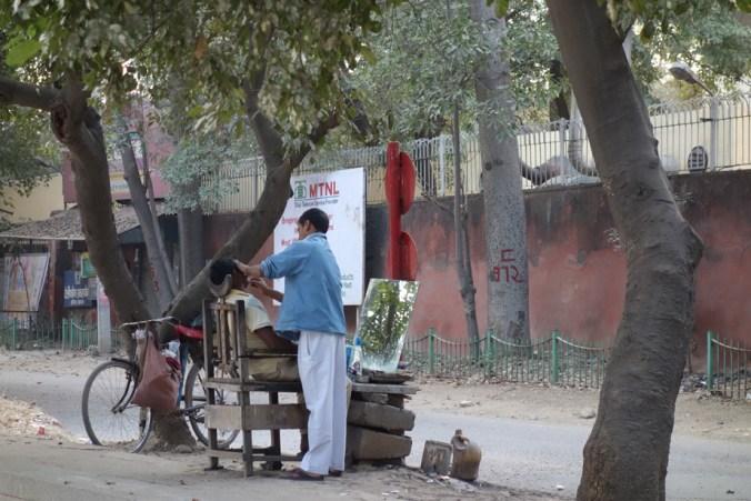 Barbier dans la rue