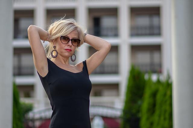 Une femme de 50 ans peut-elle être sexy ?