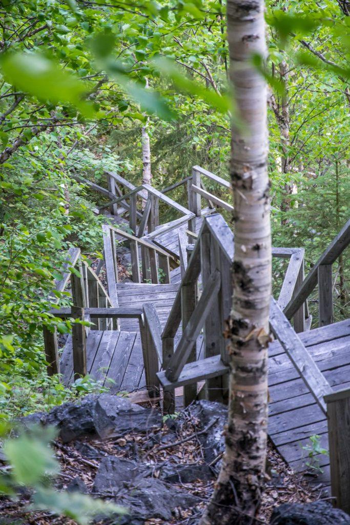 parc d'aiguebelle escalier