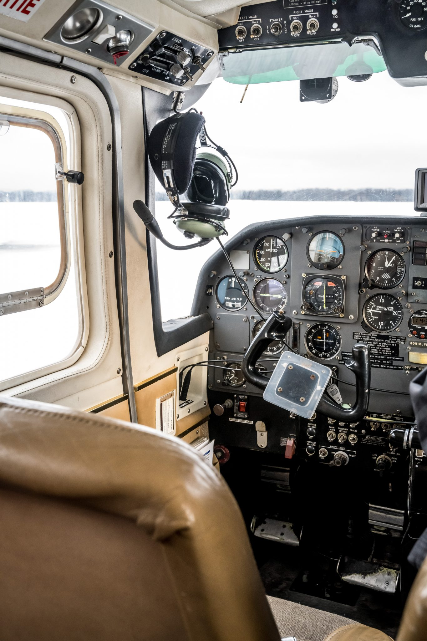 avion commande