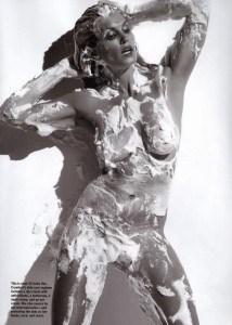 cindy-crawford-nude-foam-04