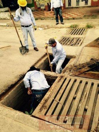 Mantenimiento a sumideros de aguas lluvias en la comuna V