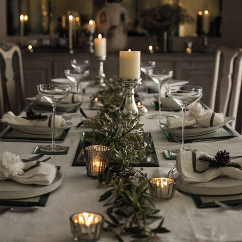 christmas garland tables
