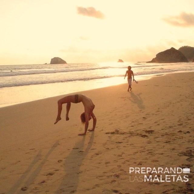 preparando-las-maletas-playas-nudistas-3