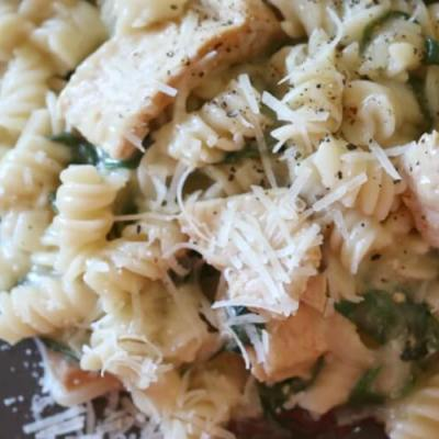 One Pot Creamy Greens & Tuna Pasta (Gluten Free)