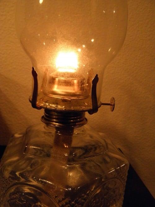 The Girls Guide to Oil Lamps  PreparednessMama