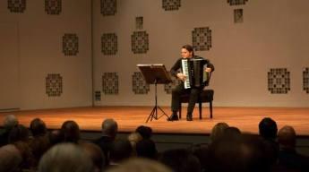 statehood-day-of-bosnia-hercegovina-concert-premiere-the-four-seasons-antonio-vivaldi-nihad-hrustanbegovic-in-theater-diligentia-26-nov-2014-foto-3-700x390