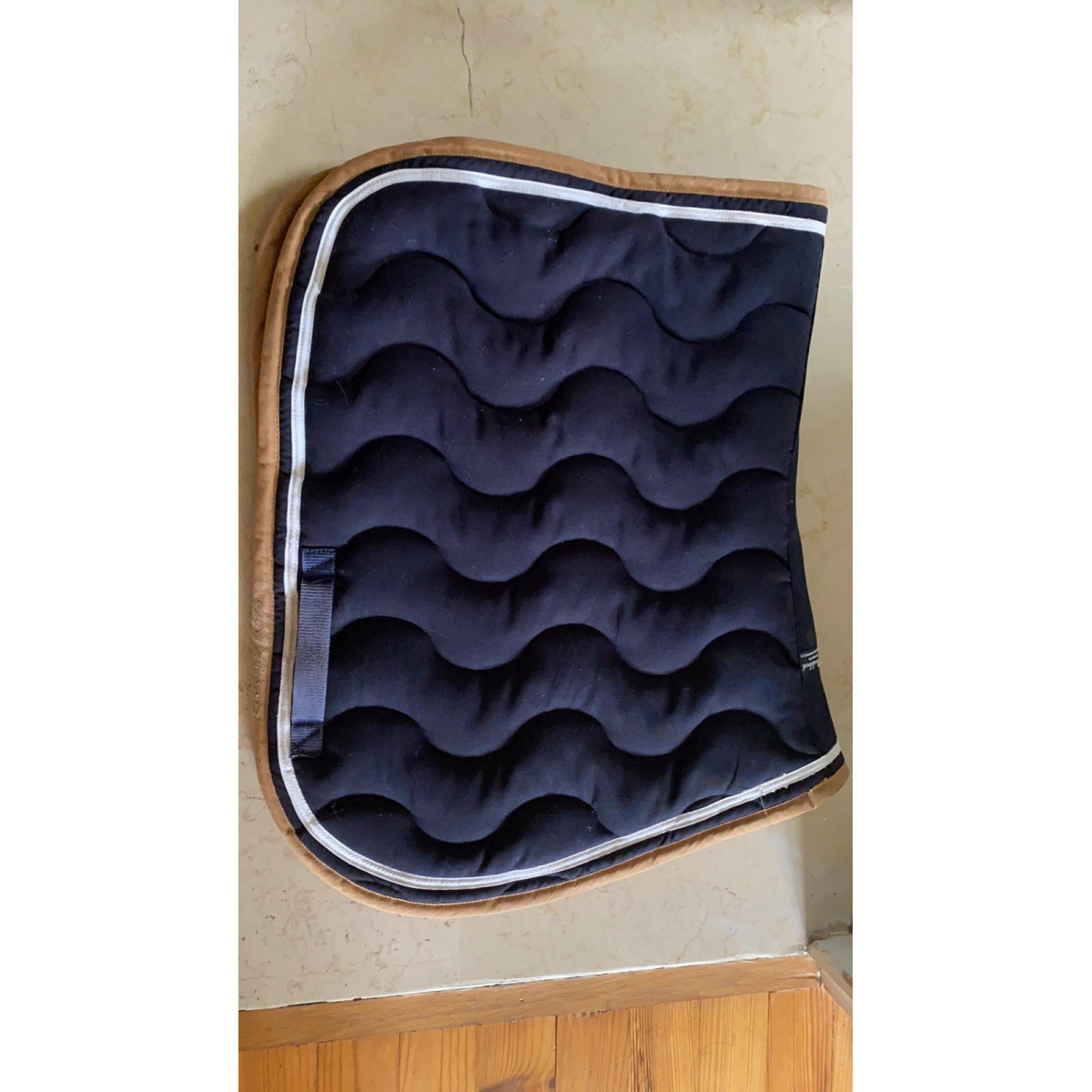 tapis paddock bleu marine beige