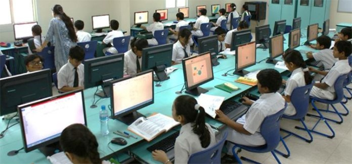 Kerala Government to save 3000 crore by choosing Linux OpenSource in school computers