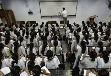 CBSE considering to withdraw affiliation from over 1700 schools for allowing over 40 students per class