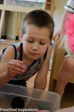 Water Bead Sorting ~ Preschool Inspirations-6