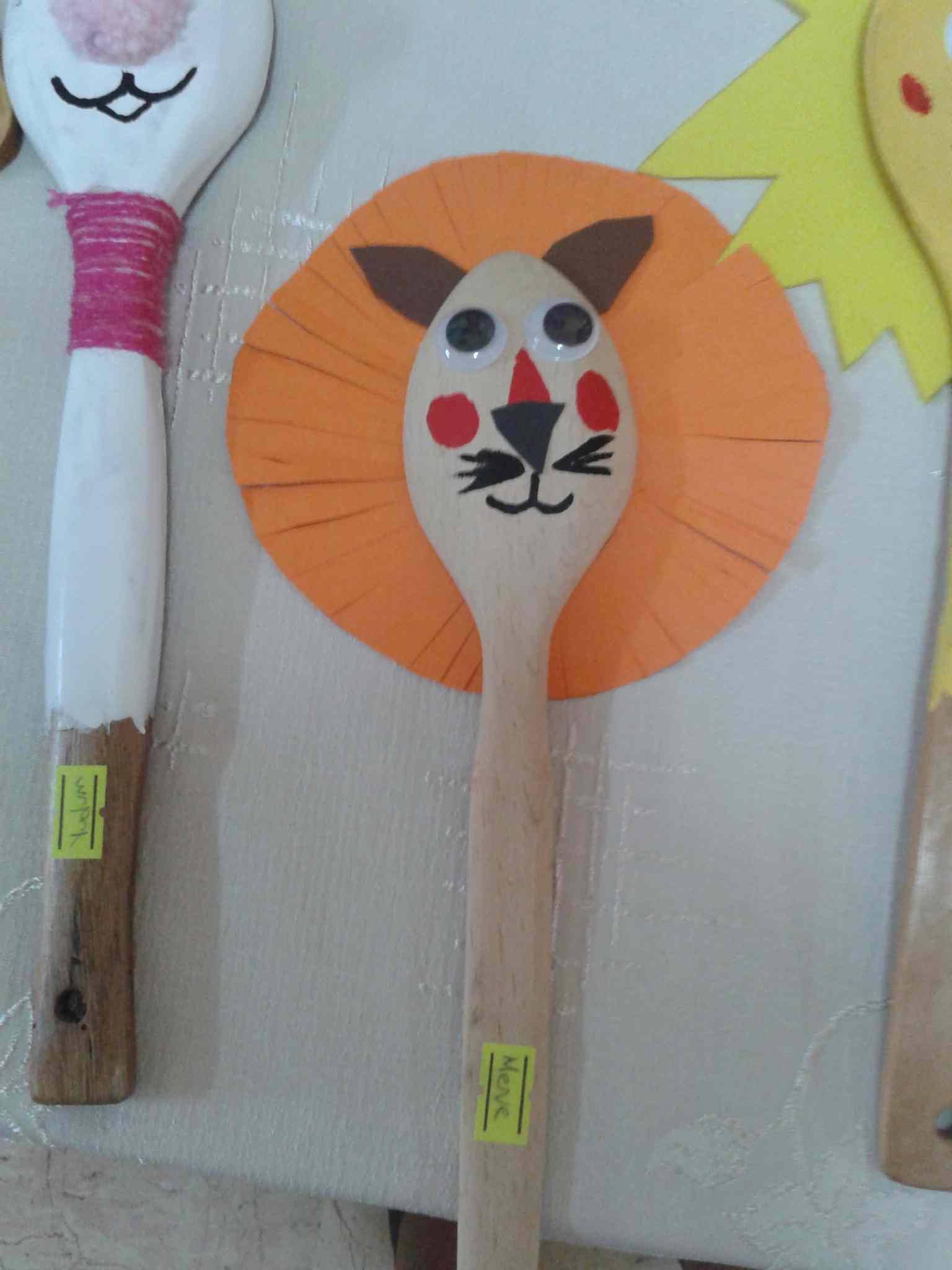 Wooden Spoon Lion Craft Preschoolplanet