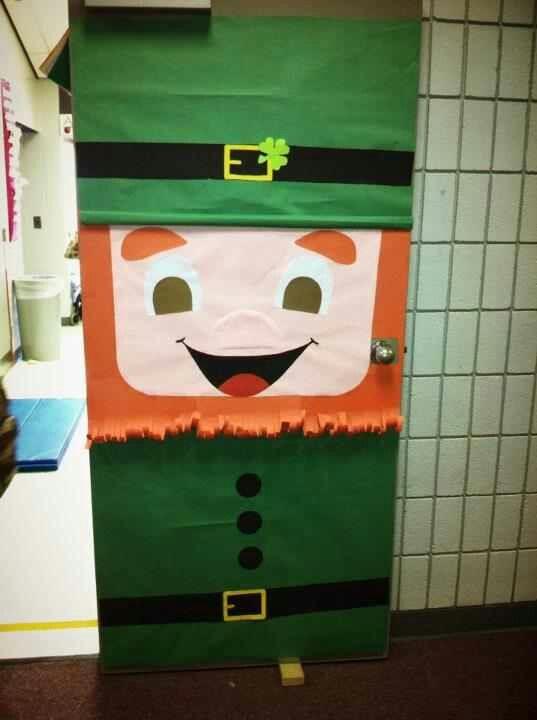 St. Patrick's Day door decoration idea for preschoolers