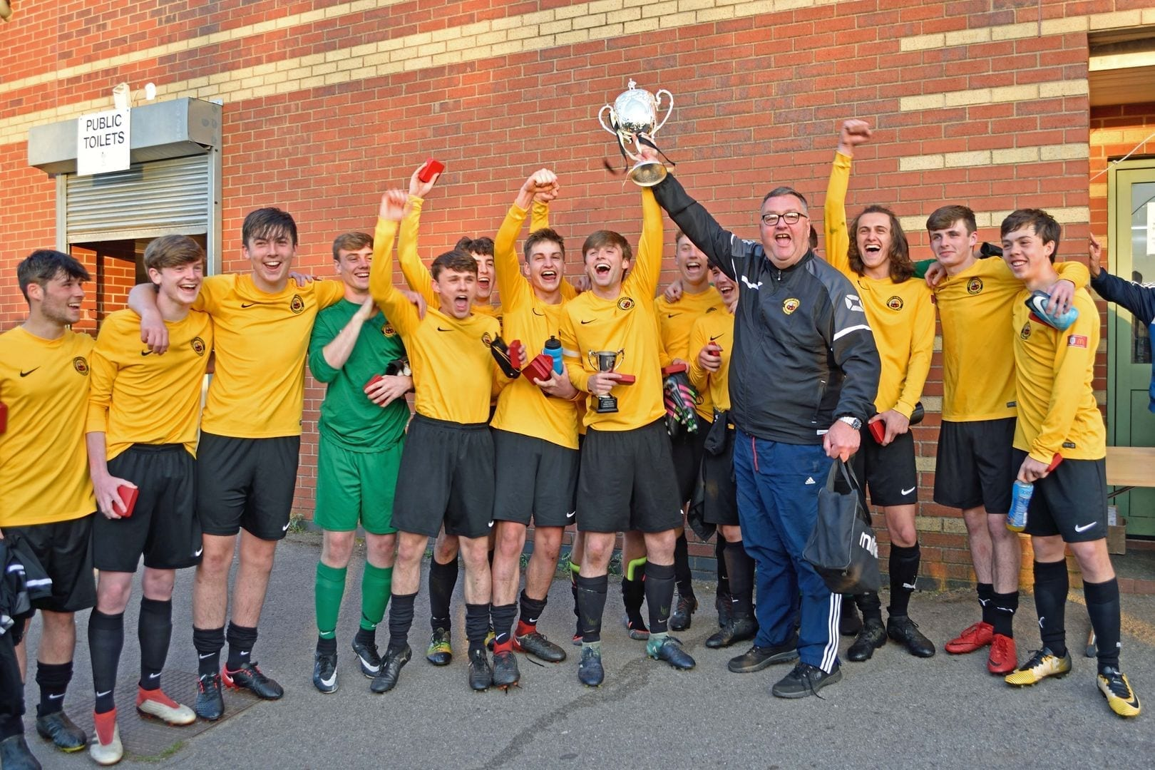 Prescot Cables U18 with the Liverpool FA Cup