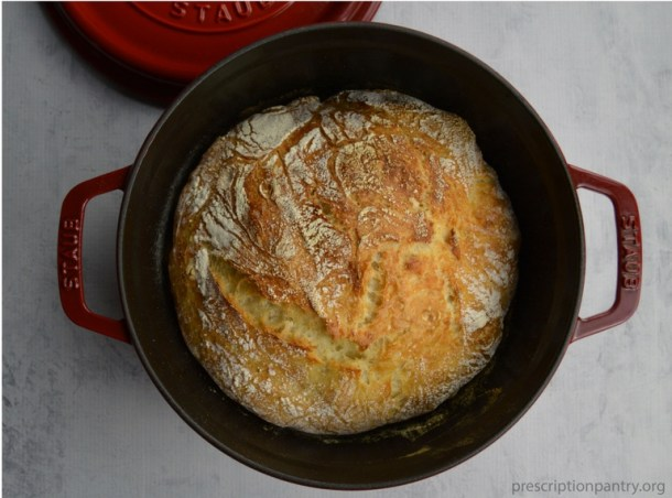 bread loaf in dutch oven