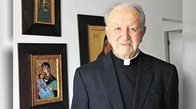 Fallece cardenal que participó en Concilio Vaticano II